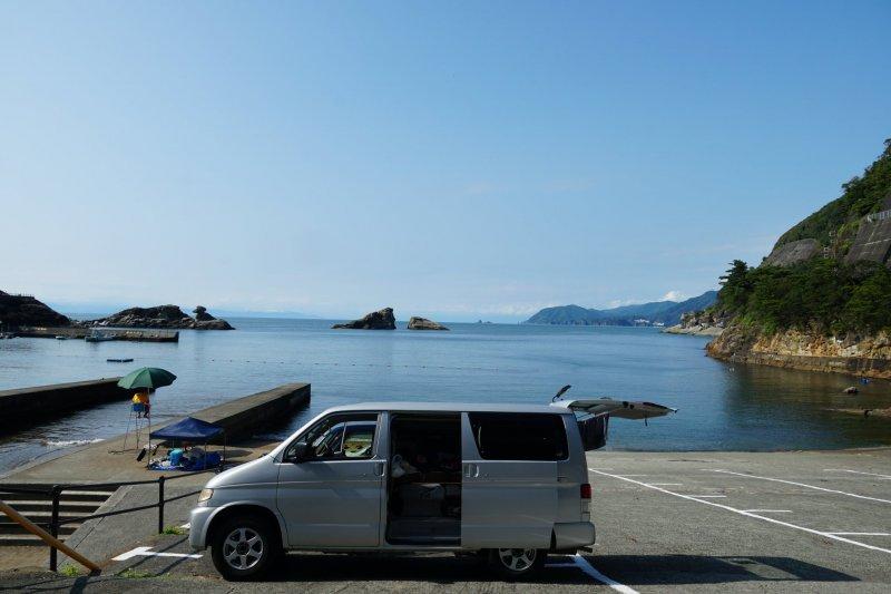 Im Camper oder Mietauto hat man die ganze Bucht für sich allein!