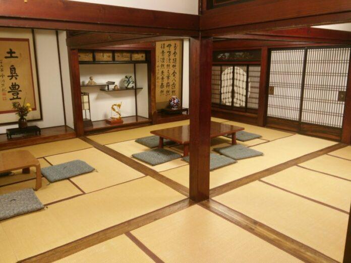 Die Inneneinrichtung des Ryugon Ryokan ist klassisch japanisch.