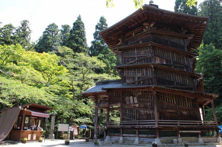 Die Sazaedou Pagode bei Iimoriyama in Fukushima.
