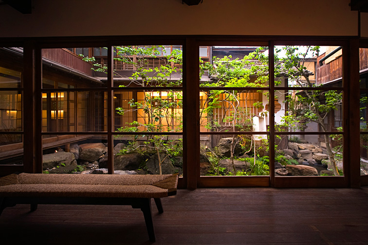 Natürlich darf auch ein japanischer Garten nicht fehlen.