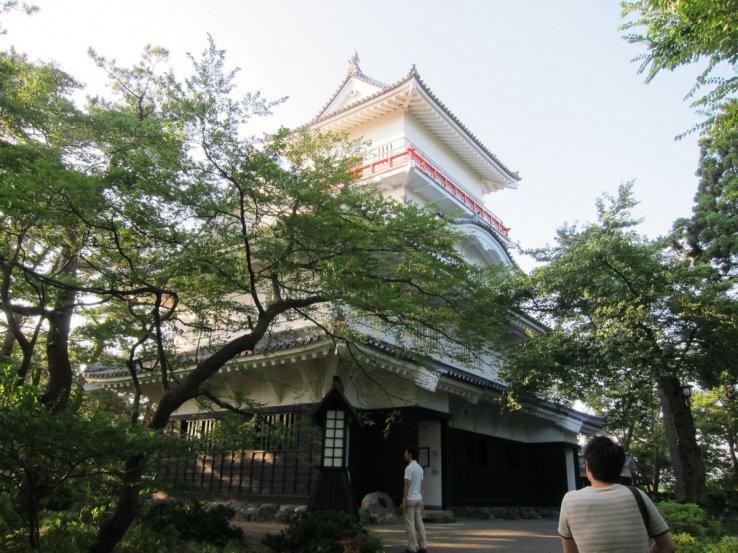 Die Kubota Burg in der Präfektur Akita ist zu jeder Jahreszeit ein schönes Fotomotiv.