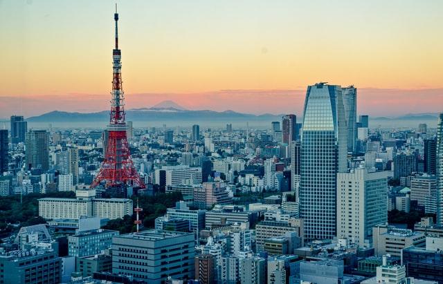 Der Tokyo Tower und seine Aussichtsplattform sind ein Sinnbild für die Metropole.
