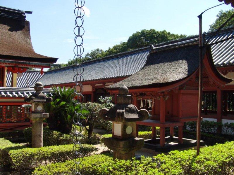 Der Isaniwa Schrein befindet sich nahe des Dogo Onsen.