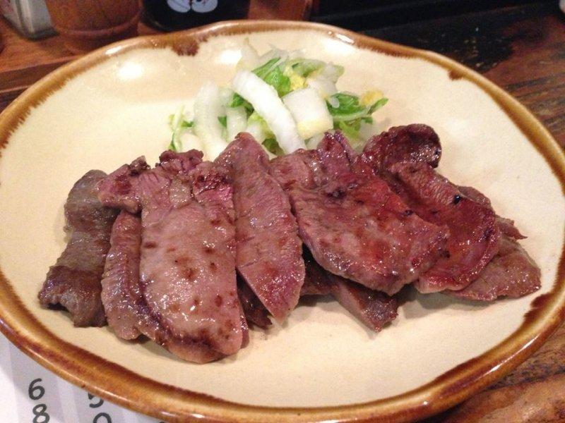 Gyutan - gegrillte Rinderzunge ist die Spezialität von Sendai in Miyagi.