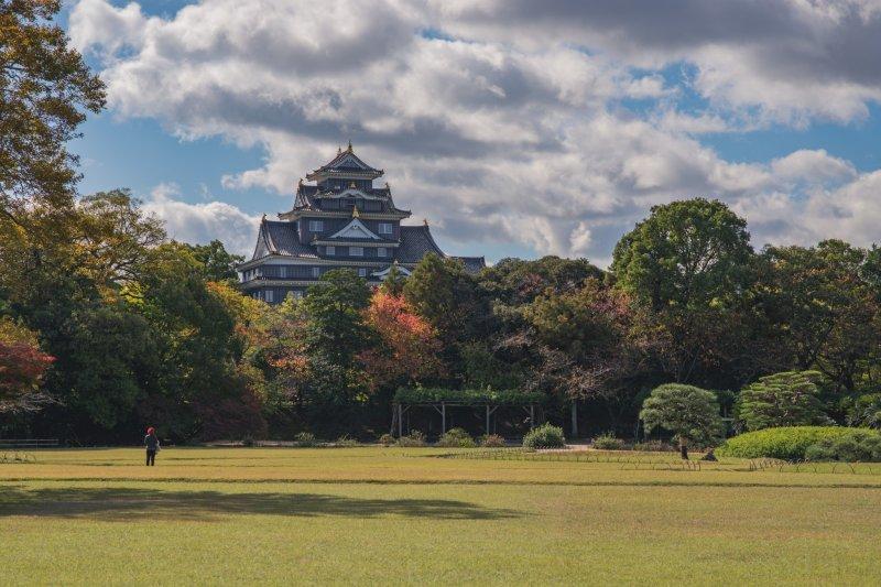 Blick auf die Burg Okayama.