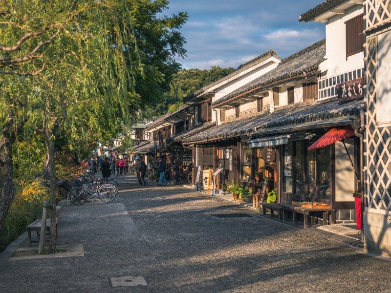 Idylle und traditionelles Flair in den kleinen Straßen des Bikan Viertels.