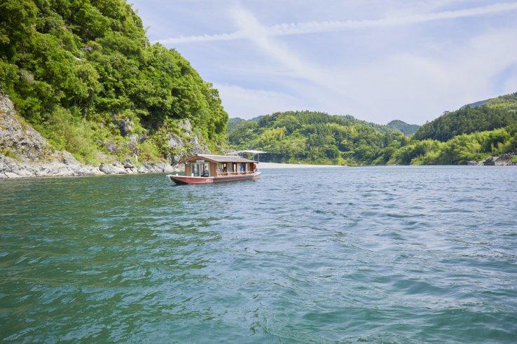 Eine Fahrt mit einem Yakatabune Boot lohnt sich.