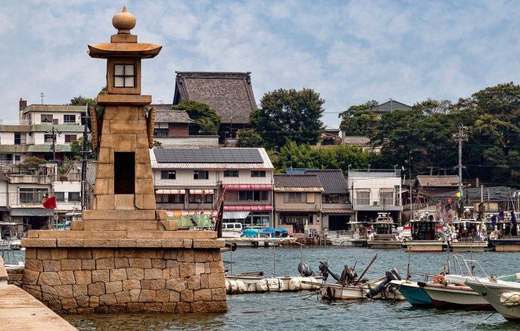 Der Joyato Leuchtturm in Tomanoura.