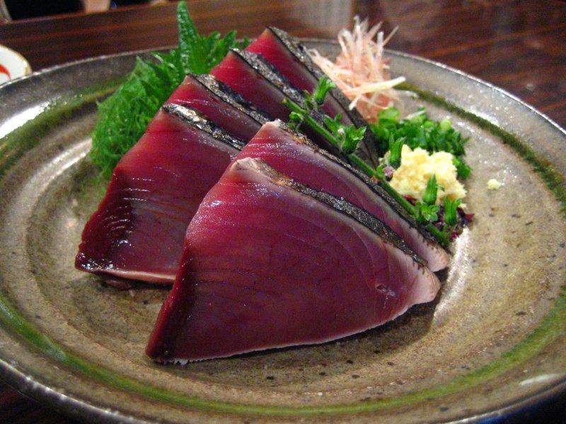 Katsuo no tataki aus Kochi, Shikoku.