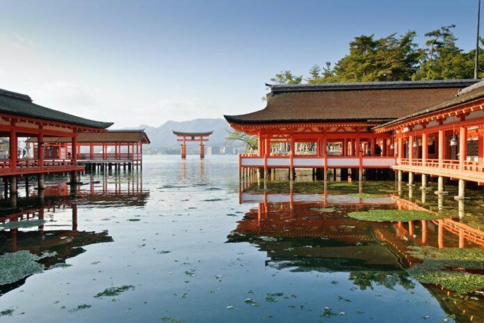 Itsukushima Schrein auf Miyajima.
