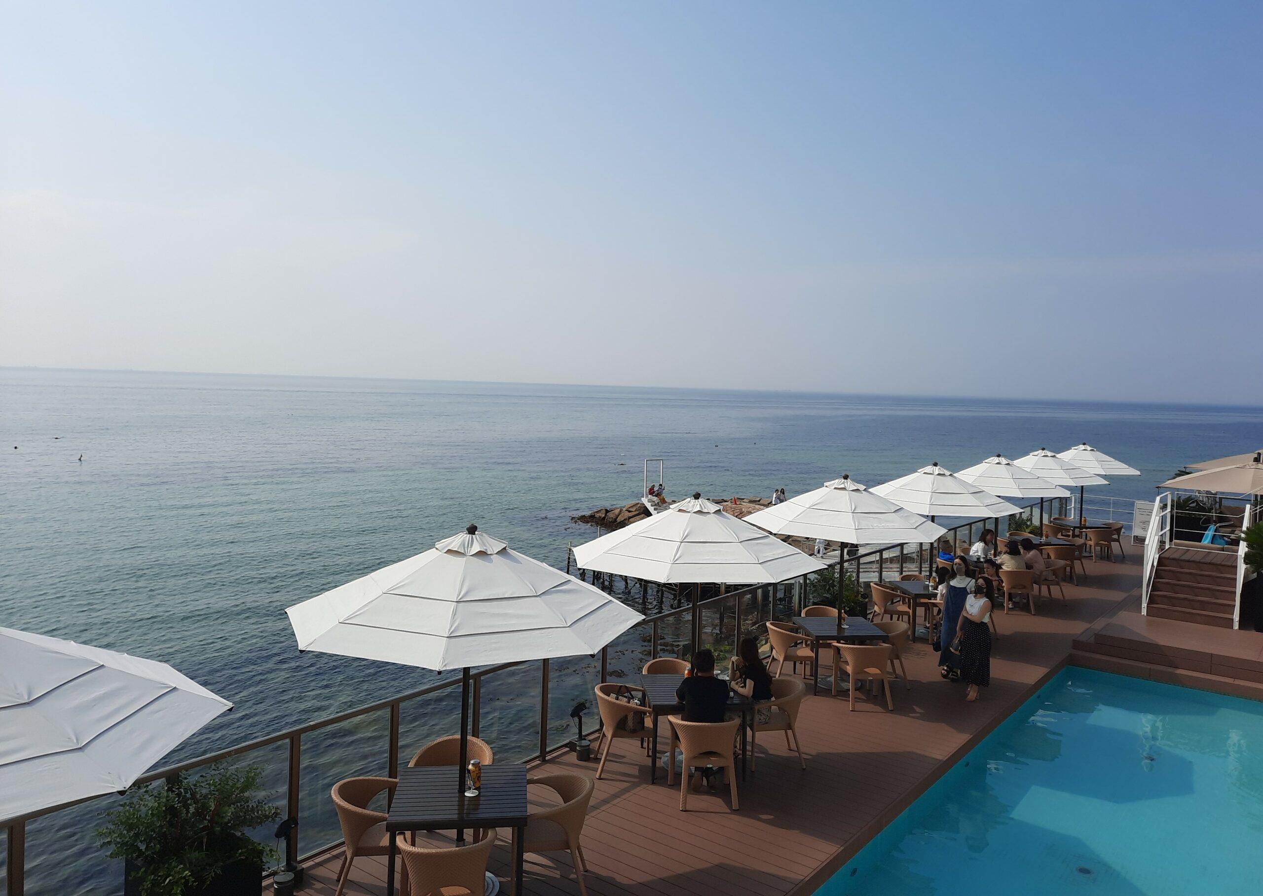 Ausblick von der Terrasse auf das Seto-Binnenmeer