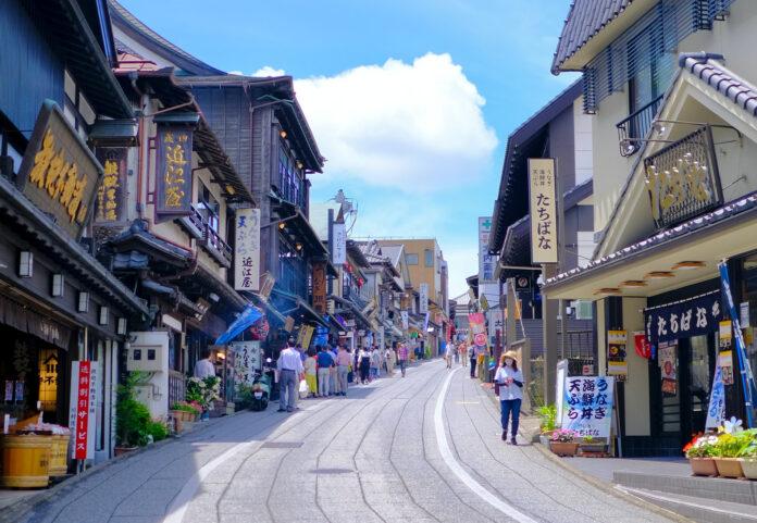 Die Narita Omotesando führt zu einem der beliebtesten Tempel in Chiba.