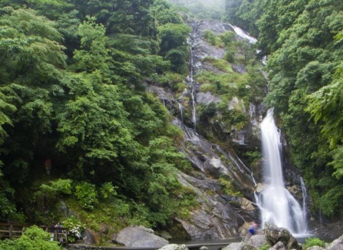 Der Mikaeri Wasserfall in Saga.