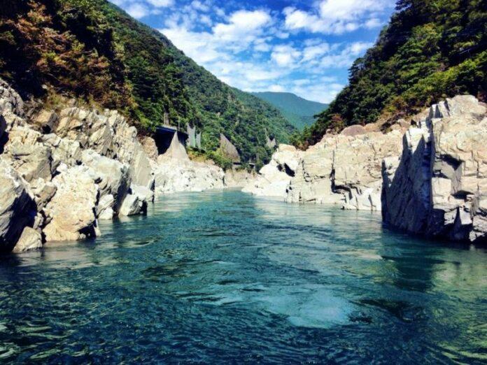 Tokushima bietet eine fast unberührte Seite von Japan.