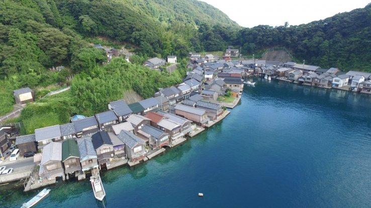 Bei der kostenlosen virtuellen Tour kann man Ine in Kyoto entdecken.